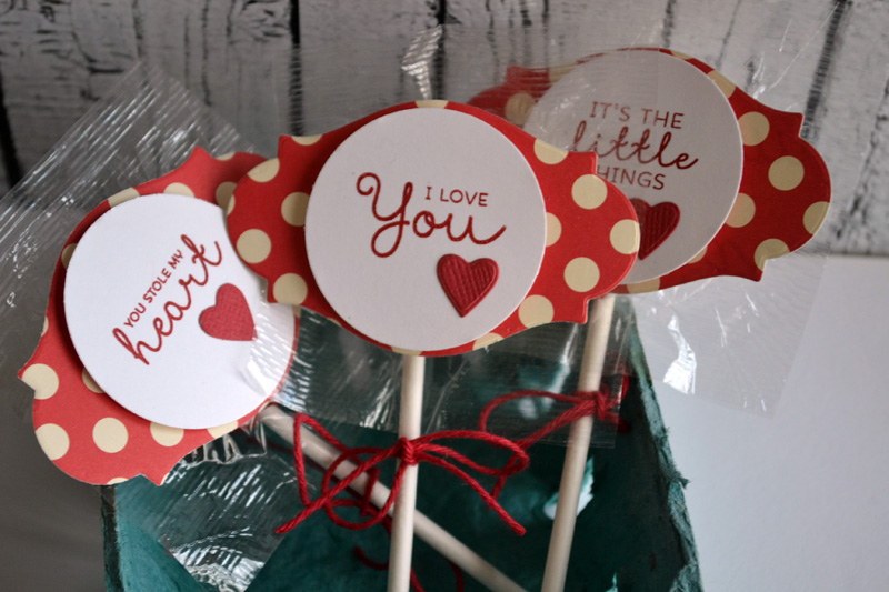 Valentine's Day Lollipops from TechniqueTuesday.com