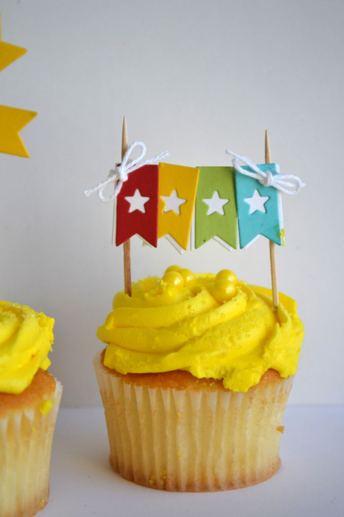 Banner Cupcake Pick from TechniqueTuesday.com